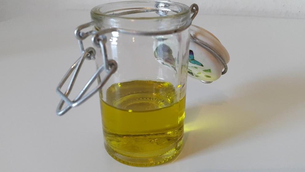 Basisgids van oliÃ«n en maceraten voor crèmes, bodylotions,… zelf te maken