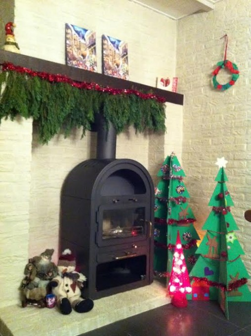 Kerstboom uit karton met strijkparelversiering