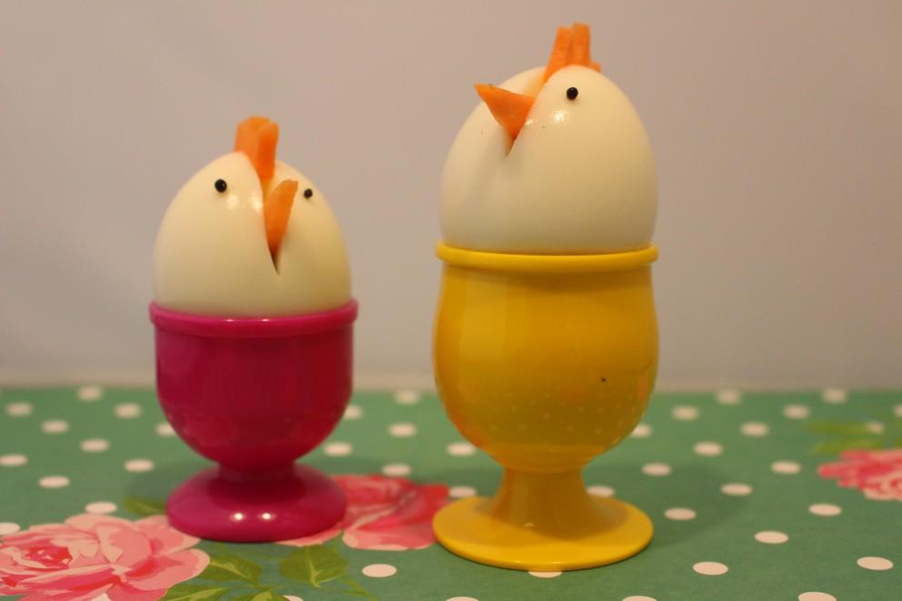 Paashapjes van gekookte eieren